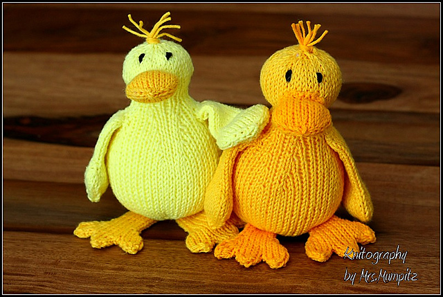 Toy Duck knitting pattern