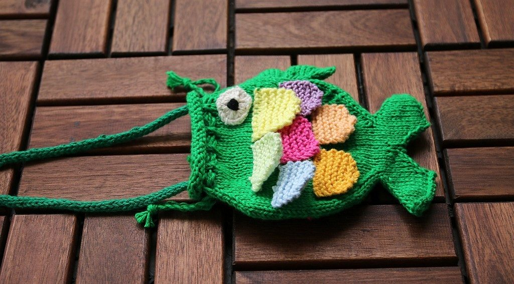 fish purse knitting pattern