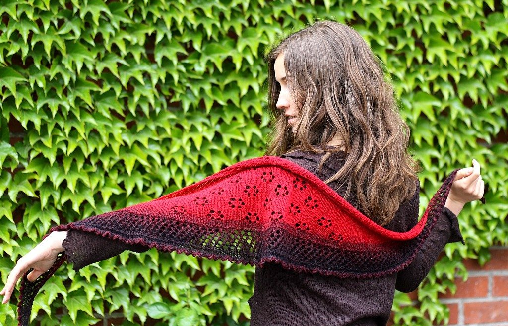 In Bloom shawl pattern