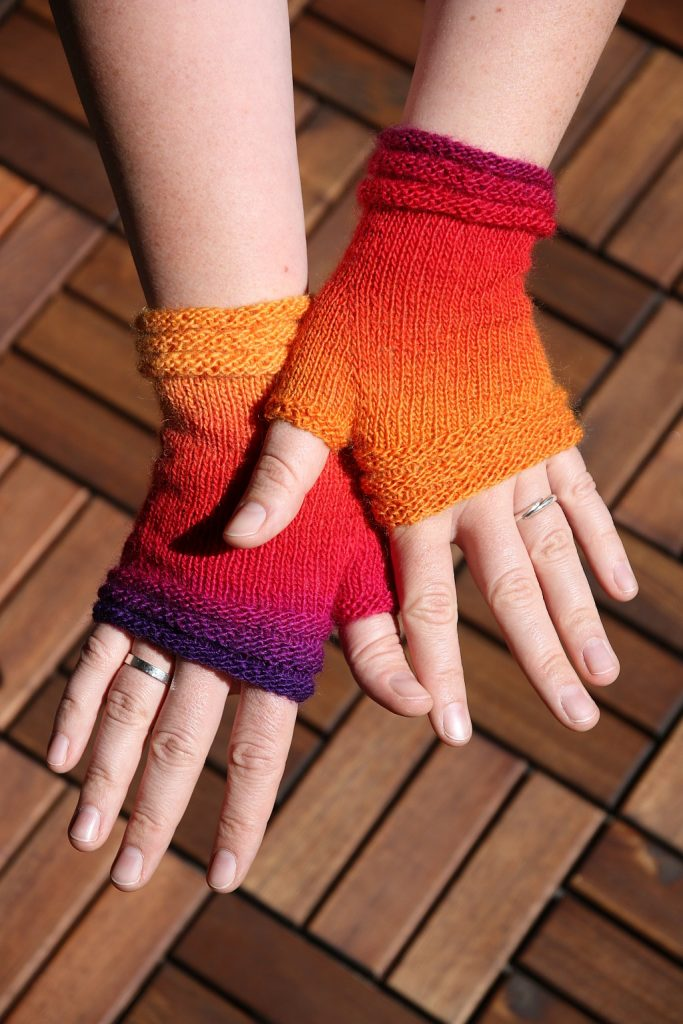 Coziness fingerless mittens knitting pattern by Mrsmumpitz on Ravelry
