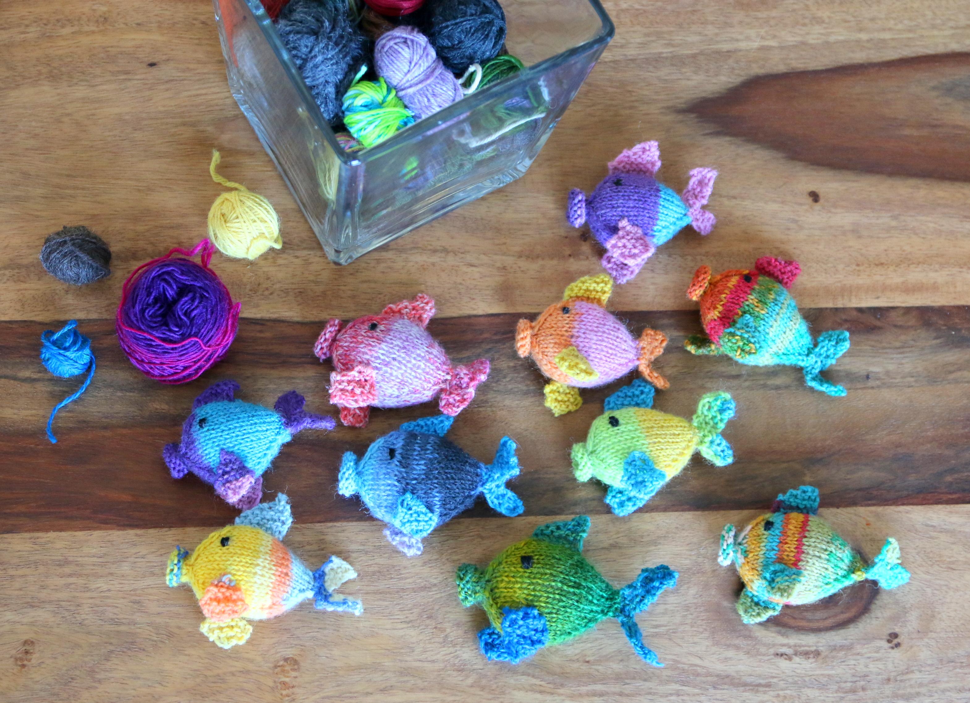 knit amigurumi fish pattern