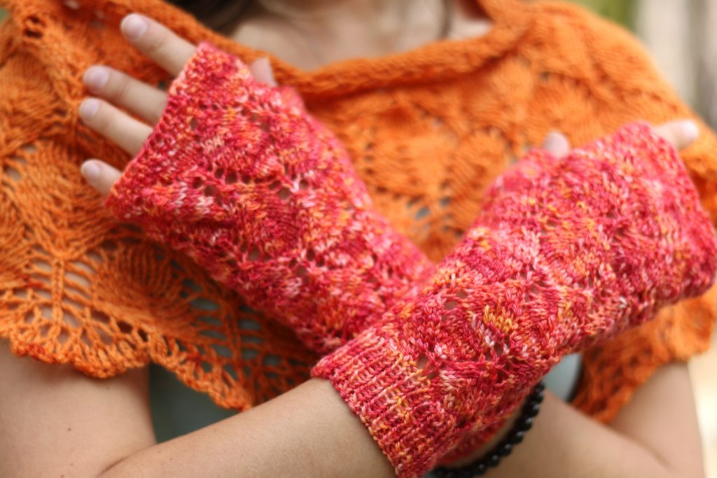 Fall in Love mitts knitting pattern
