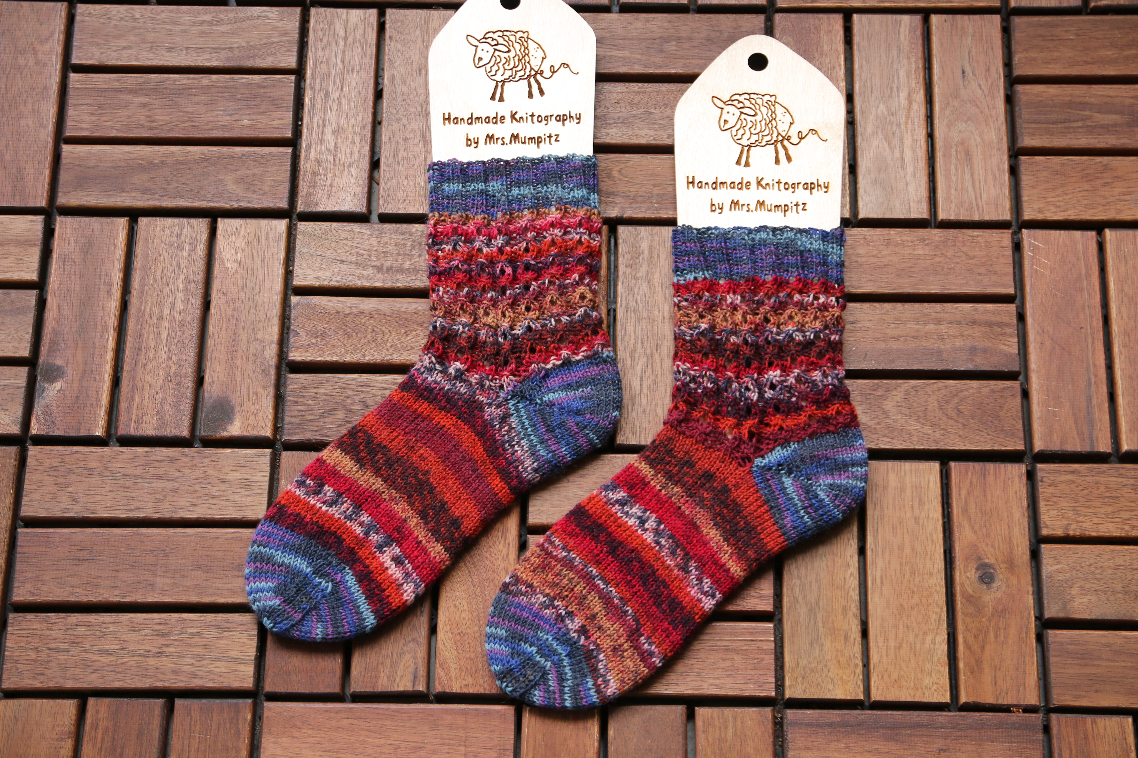 Hot waffles socks knitting pattern