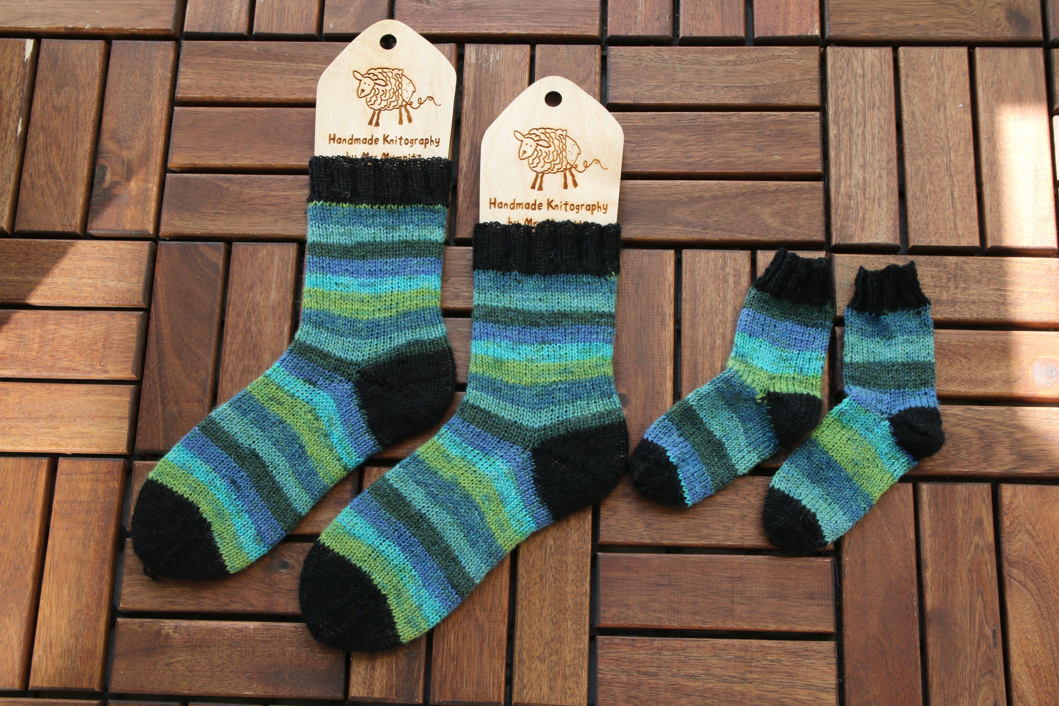 Striped socks by Mrsmumpitz