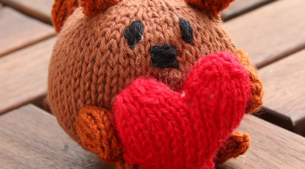 Sally the Squirrelknitting pattern