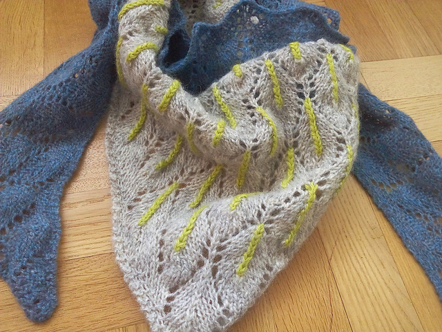 Fall in Love shawl knitting pattern