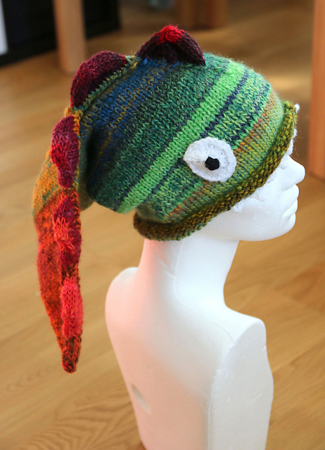 Dragon hat knitting pattern