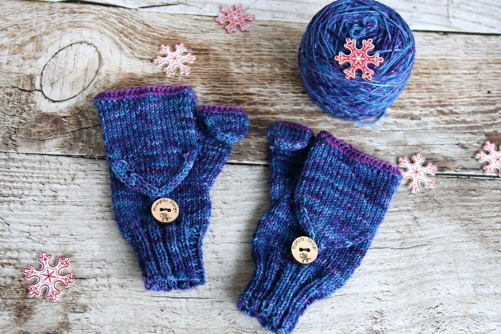 Mrs. Mumpitz Convertible mitts with thumb flap knitting pattern