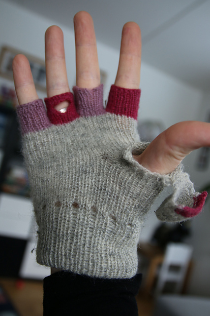 Mrs.Mumpitz Convertible Mittens with thumb flap