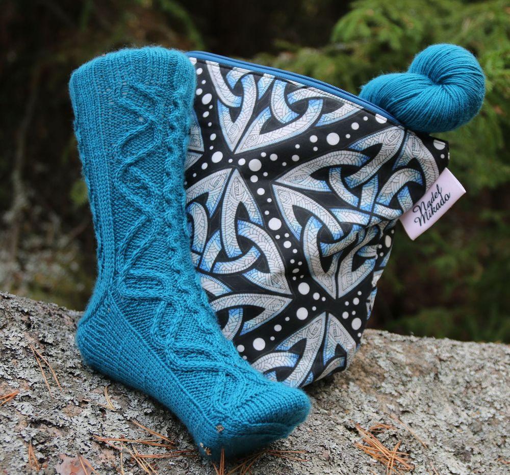 Jormungandr socks knitting pattern