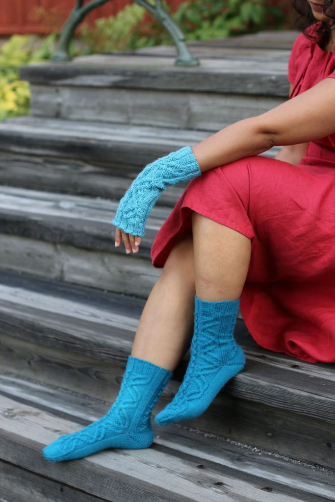 Jormungandr mitts and socks knitting pattern