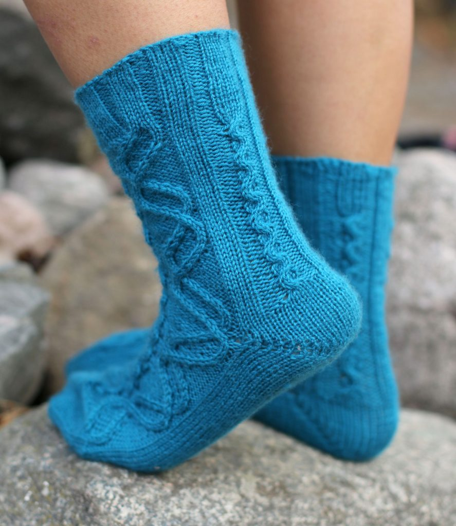 Jormungandr socks knitting pattern