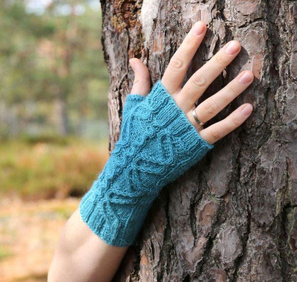 Jormungandr mitts knitting pattern