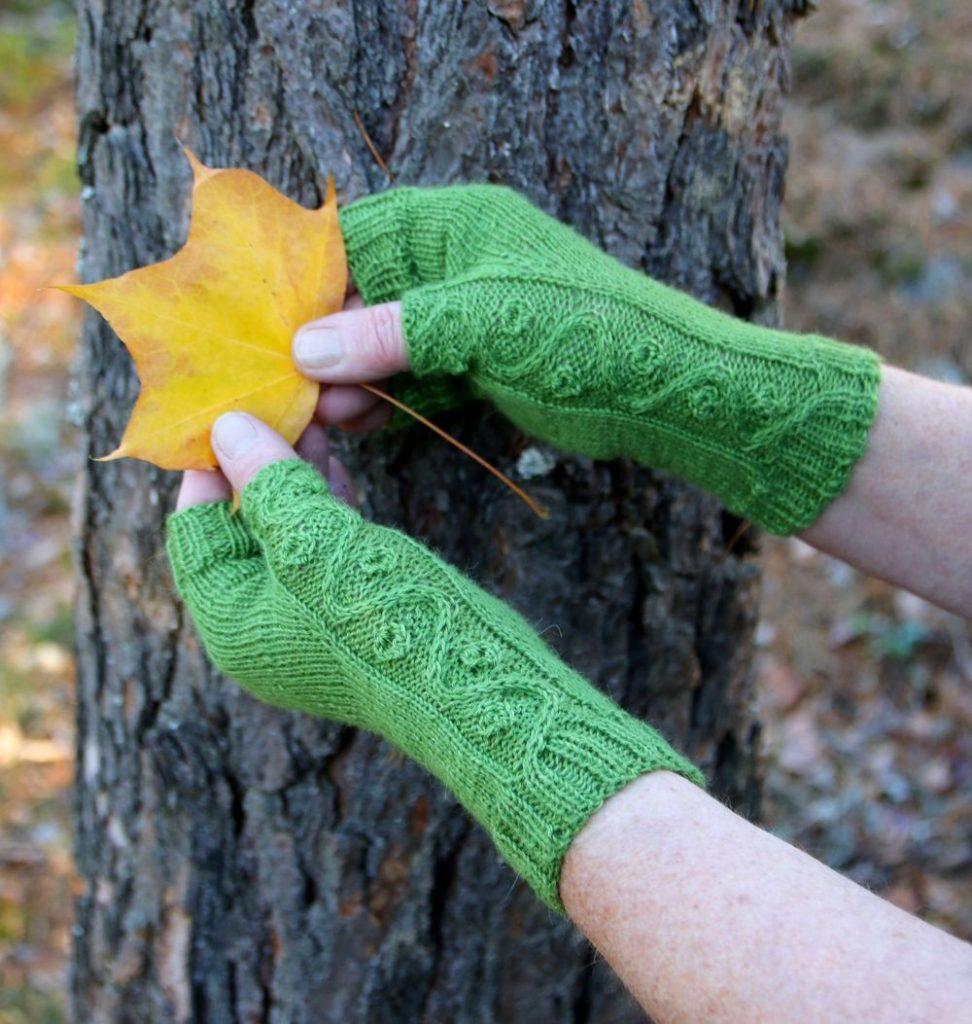 Friggs Mitts knitting pattern