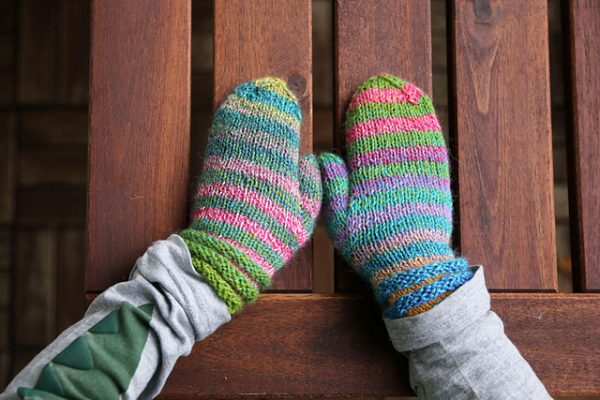 Happy Kids Mittens knitting pattern