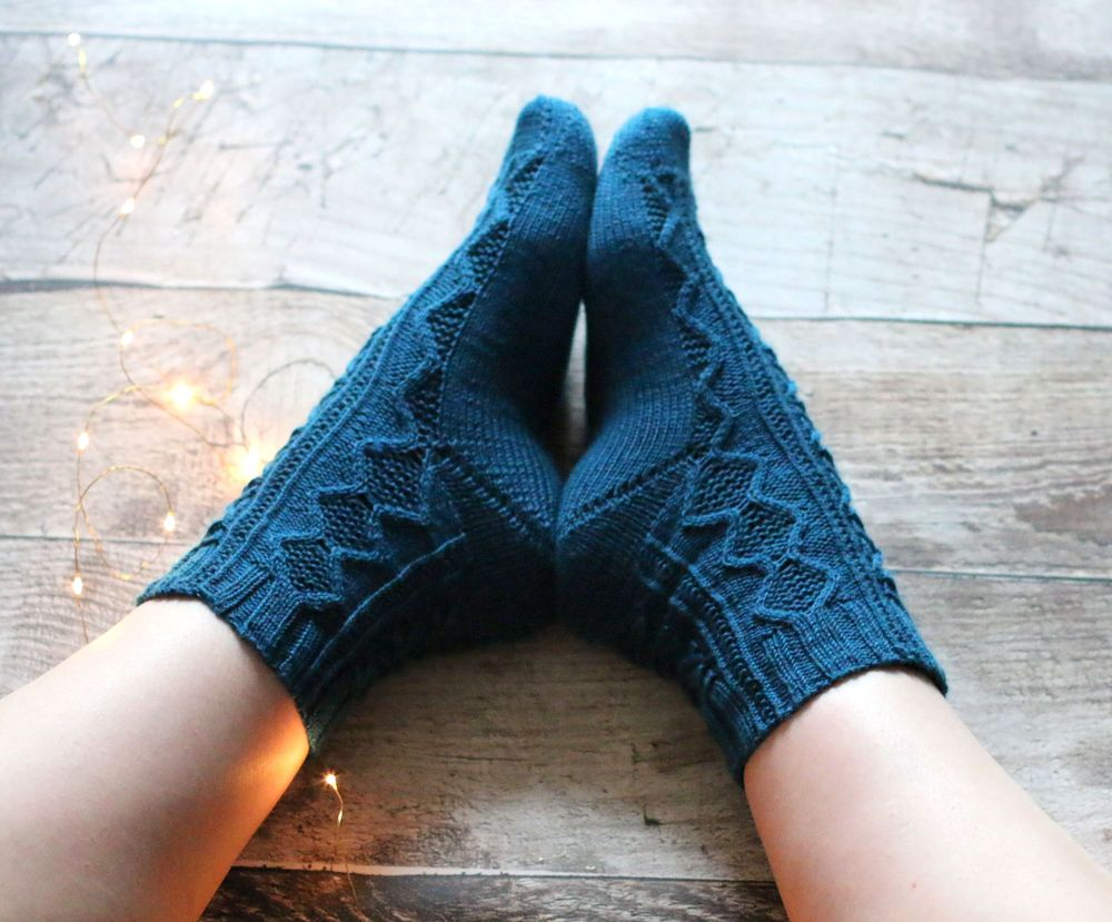 Heimdallr socks knitting pattern