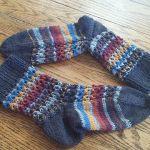 Hot Waffles Socks free knitting pattern