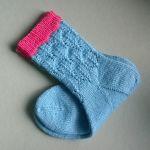 Fall in lov socks knitting pattern